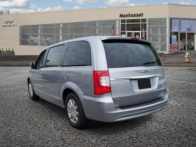 2016 Chrysler Town & Country 4dr Wgn Touring 2