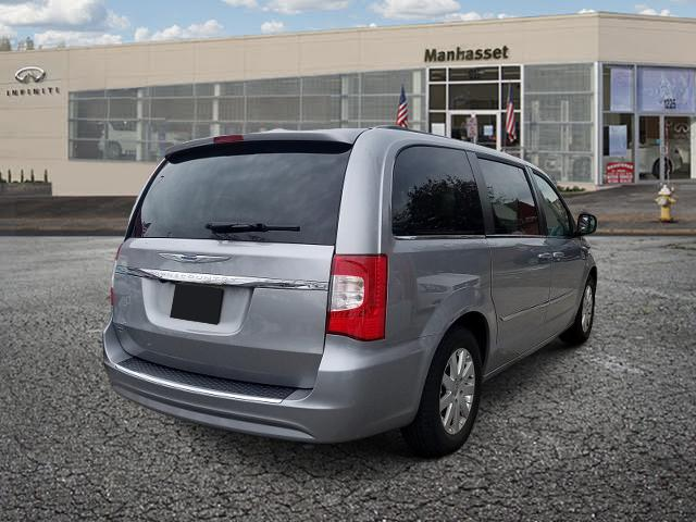 2016 Chrysler Town & Country 4dr Wgn Touring 3