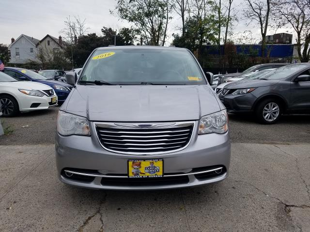 2016 Chrysler Town & Country 4dr Wgn Touring 6