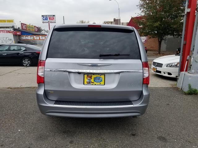 2016 Chrysler Town & Country Touring 5