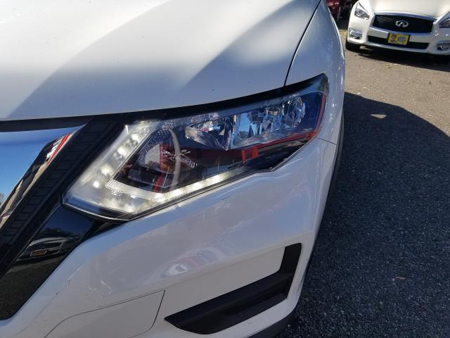 2017 Nissan Rogue AWD SV 7
