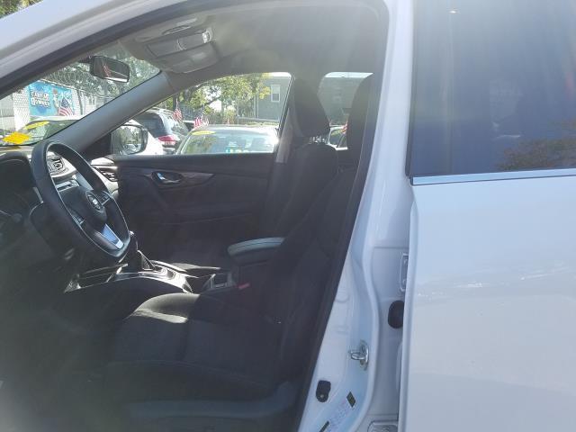 2017 Nissan Rogue AWD SV 10