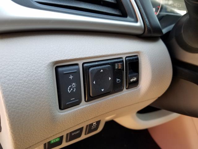 2016 Nissan Sentra 4dr Sdn I4 CVT S 17