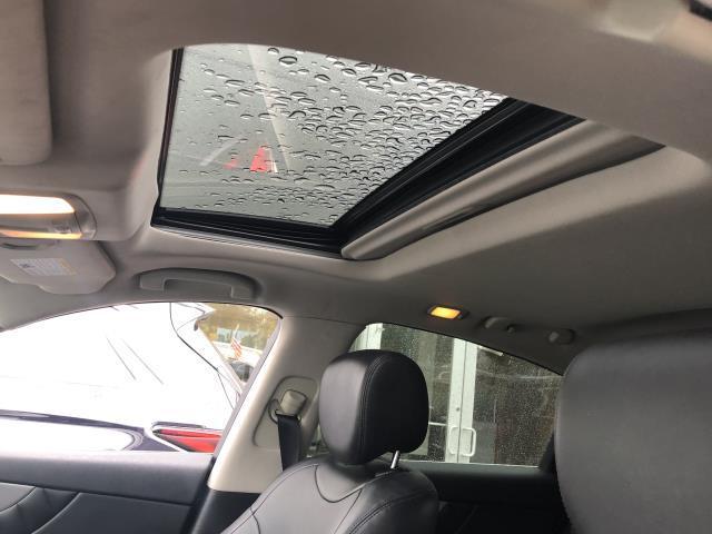 2017 INFINITI QX70 AWD 13