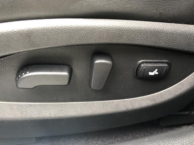 2017 INFINITI QX70 AWD 14