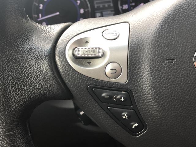 2017 INFINITI QX70 AWD 16