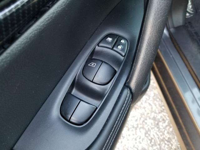 2017 Nissan Rogue 2017.5 AWD SL 18