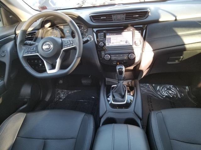 2017 Nissan Rogue SL 17