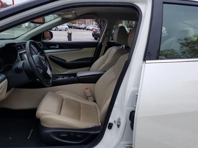 2017 Nissan Maxima SV 3.5L 11