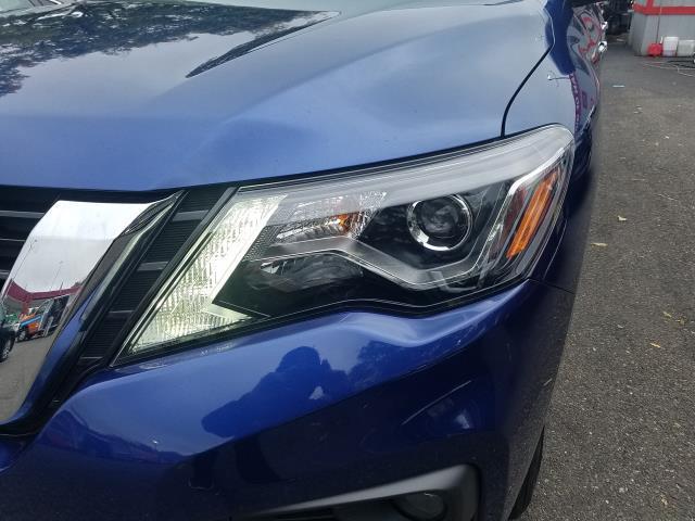 2017 Nissan Pathfinder 4x4 SL 7