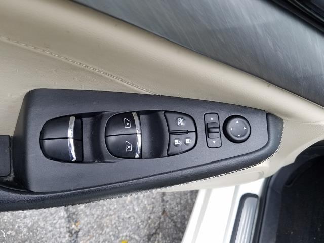 2017 Nissan Maxima SV 15