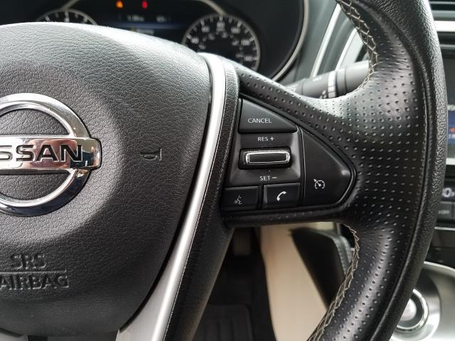 2017 Nissan Maxima SV 19