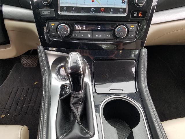 2017 Nissan Maxima SV 27