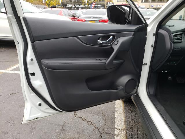 2017 Nissan Rogue AWD S 14