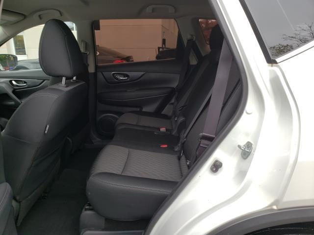 2017 Nissan Rogue S 10