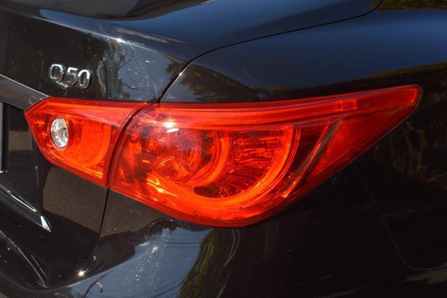 2016 INFINITI Q50 4dr Sdn 3.0t Premium AWD 12