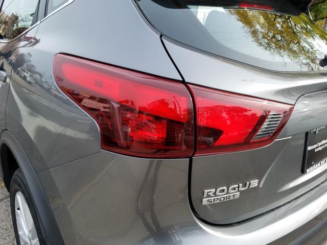 2018 Nissan Rogue Sport S 9