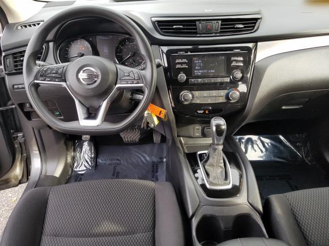 2018 Nissan Rogue Sport S 14