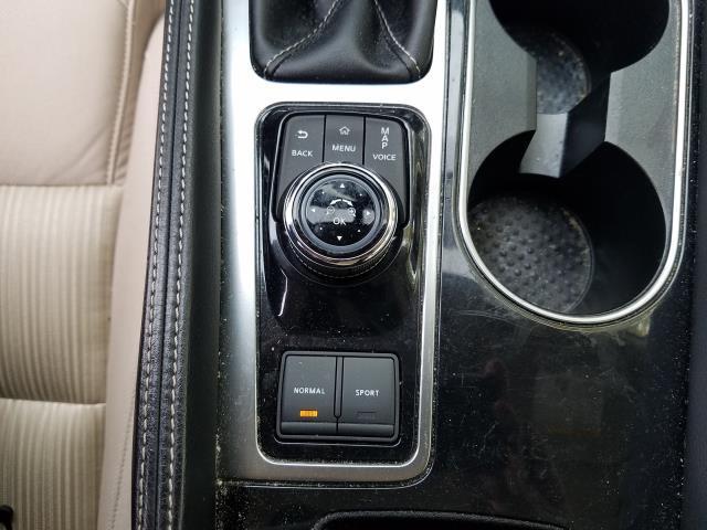 2017 Nissan Maxima S 23