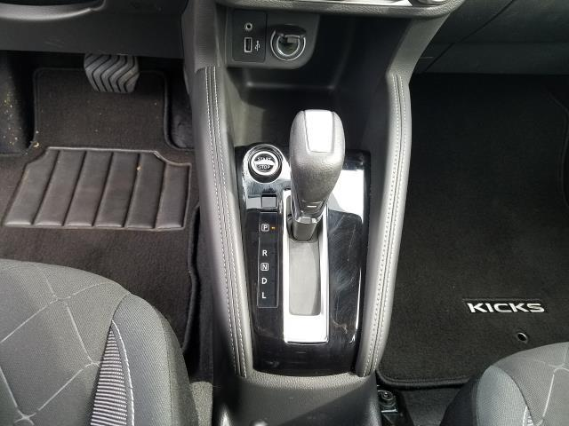 2019 Nissan Kicks S FWD 22