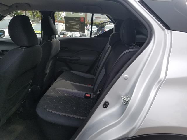 2019 Nissan Kicks S 12