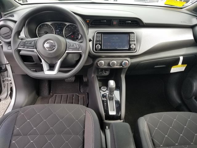 2019 Nissan Kicks S 13