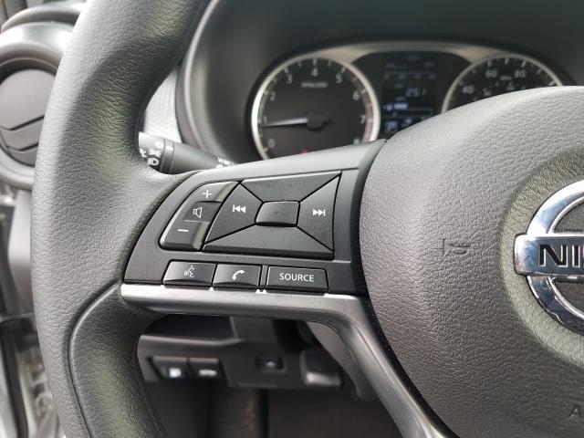 2019 Nissan Kicks S 17