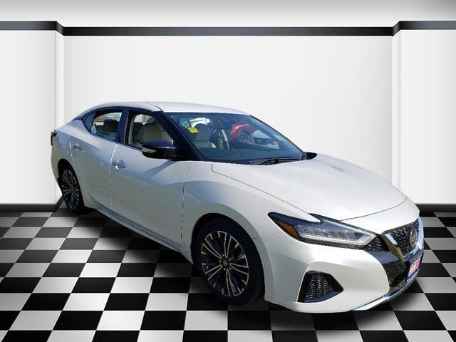 2019 Nissan Maxima SV 4dr Car Slide