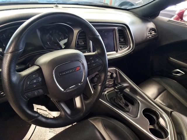 2017 Dodge Challenger SXT Plus 21