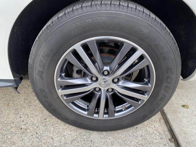 2017 INFINITI QX60 AWD 8