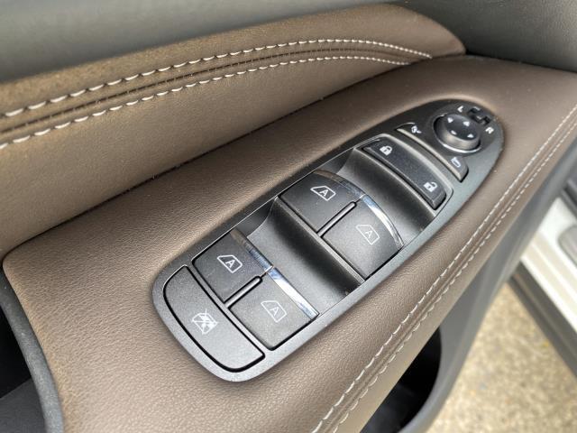 2017 INFINITI QX60 AWD 15