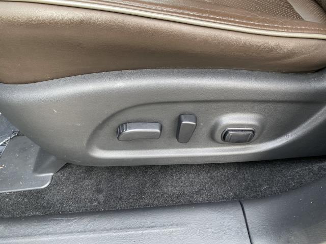 2017 INFINITI QX60 AWD 16