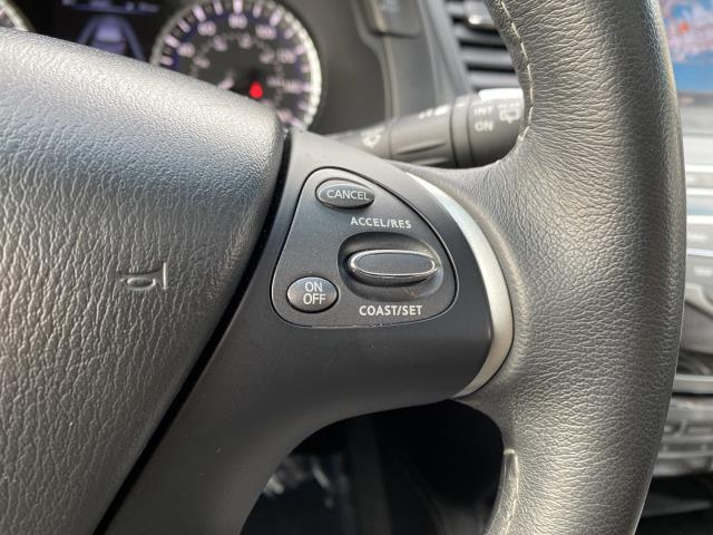 2017 INFINITI QX60 AWD 26