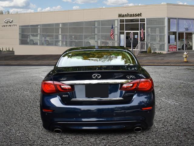2016 INFINITI Q70L 4dr Sdn V6 AWD 3