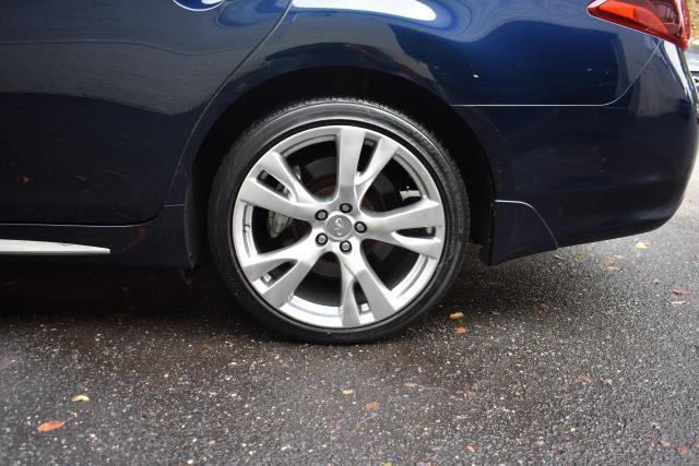 2016 INFINITI Q70L 4dr Sdn V6 AWD 12