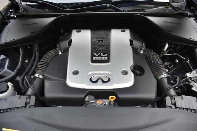 2016 INFINITI Q70L 4dr Sdn V6 AWD 8