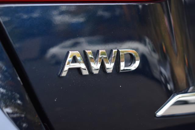 2016 INFINITI Q70L 4dr Sdn V6 AWD 11