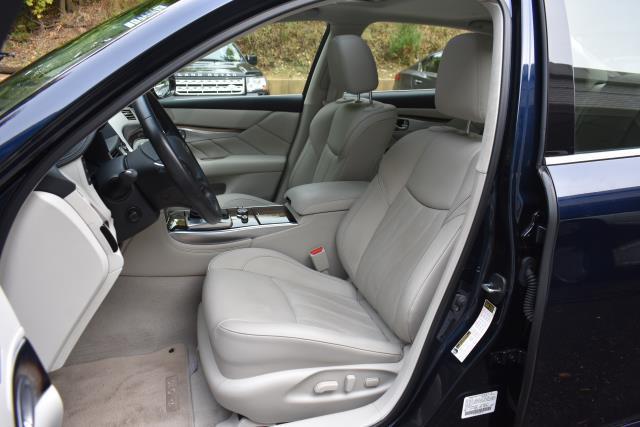 2016 INFINITI Q70L 4dr Sdn V6 AWD 13