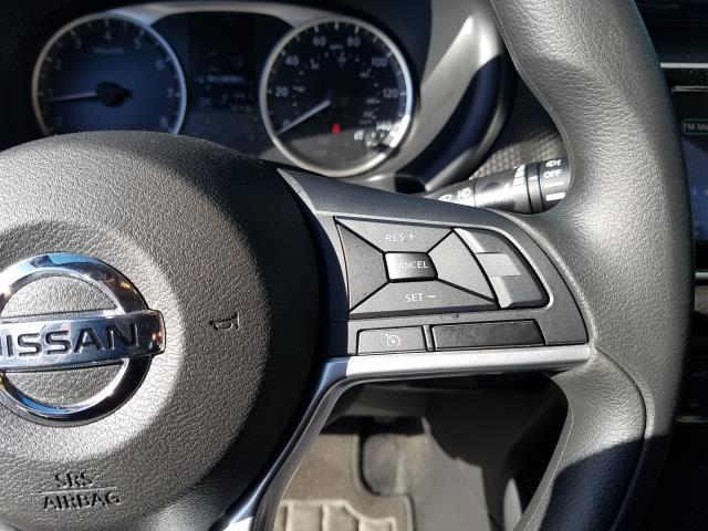 2019 Nissan Kicks S 18