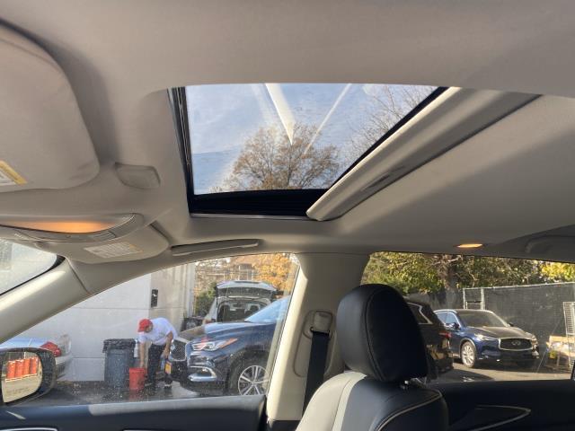 2019 INFINITI QX60 LUXE AWD 17