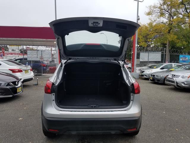 2018 Nissan Rogue Sport AWD SV 4