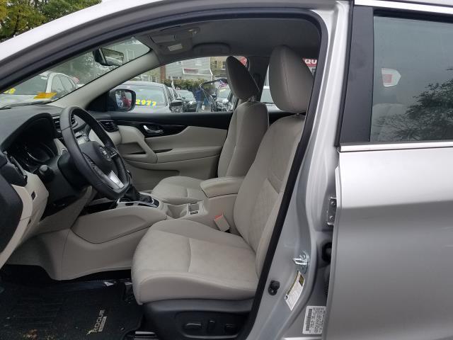 2018 Nissan Rogue Sport AWD SV 11