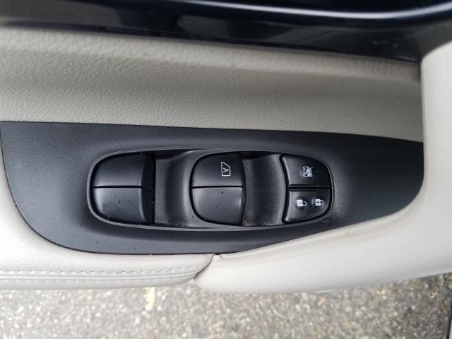 2018 Nissan Rogue Sport AWD SV 15