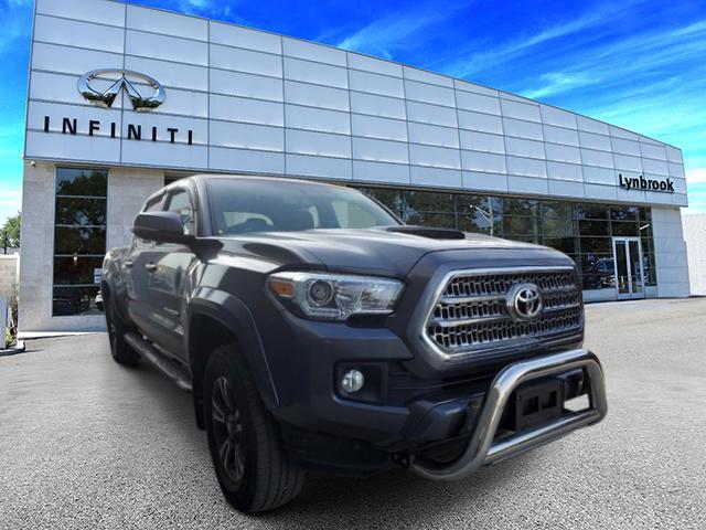 2017 Toyota Tacoma TRD Sport 2