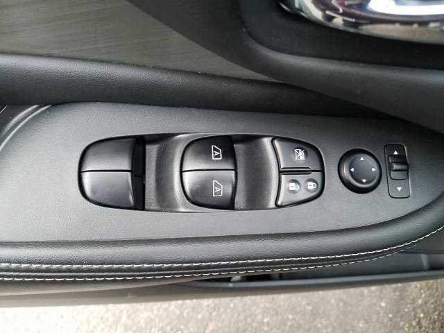 2017 Nissan Murano AWD S 14