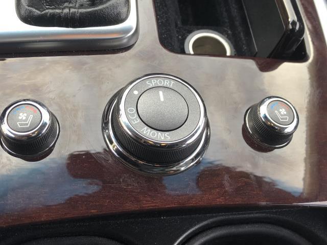 2016 INFINITI Q70L 4dr Sdn V6 AWD 26