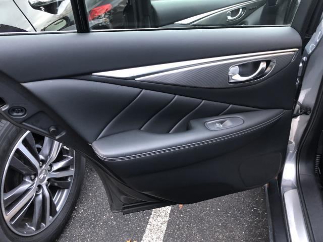 2016 INFINITI Q70 4dr Sdn V6 AWD 3