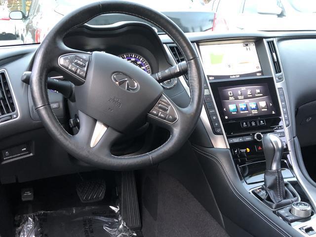 2016 INFINITI Q70 4dr Sdn V6 AWD 5