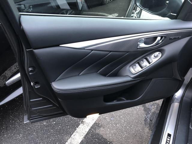 2016 INFINITI Q70 4dr Sdn V6 AWD 6