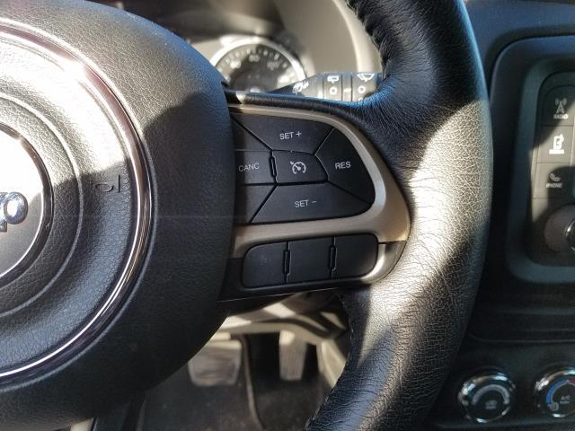 2016 Jeep Renegade 4WD 4dr 75th Anniversary 17